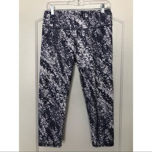 2 PAIRS of Fabletics Crop Leggings
